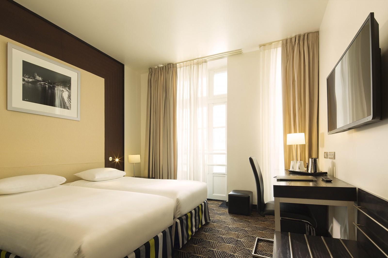 H tel le m paris site officiel chambre classique for Hotel paris chambre 4 personnes